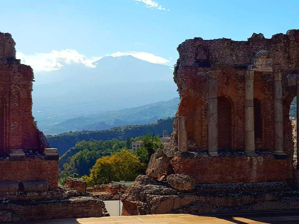 teatro greco romano taormina da vedere
