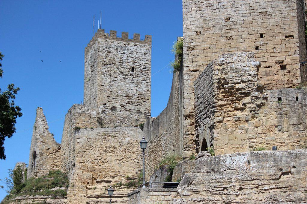 castello lombardia-enna