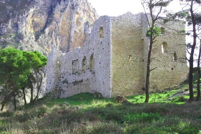 castello di terravecchia Caltavuturo madonie